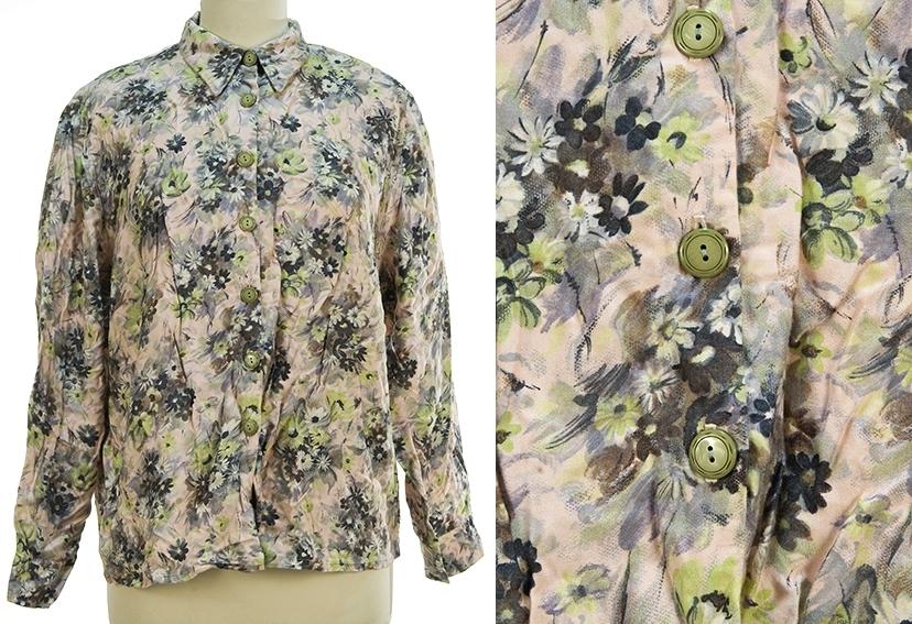 Enkel skjortebluse. Konfeksjon. Blomstermønster.