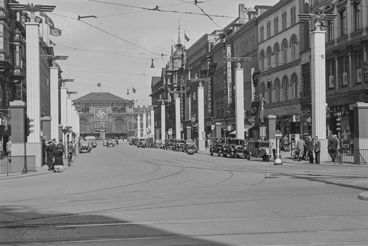 Markering av Nazi Gautag 9.-12. juni 1938. Fra Hannover i Tyskland. Bahnhofstrasse sett fra Kröpcke, i bakgrunnen Hannover Hauptbahnhof.