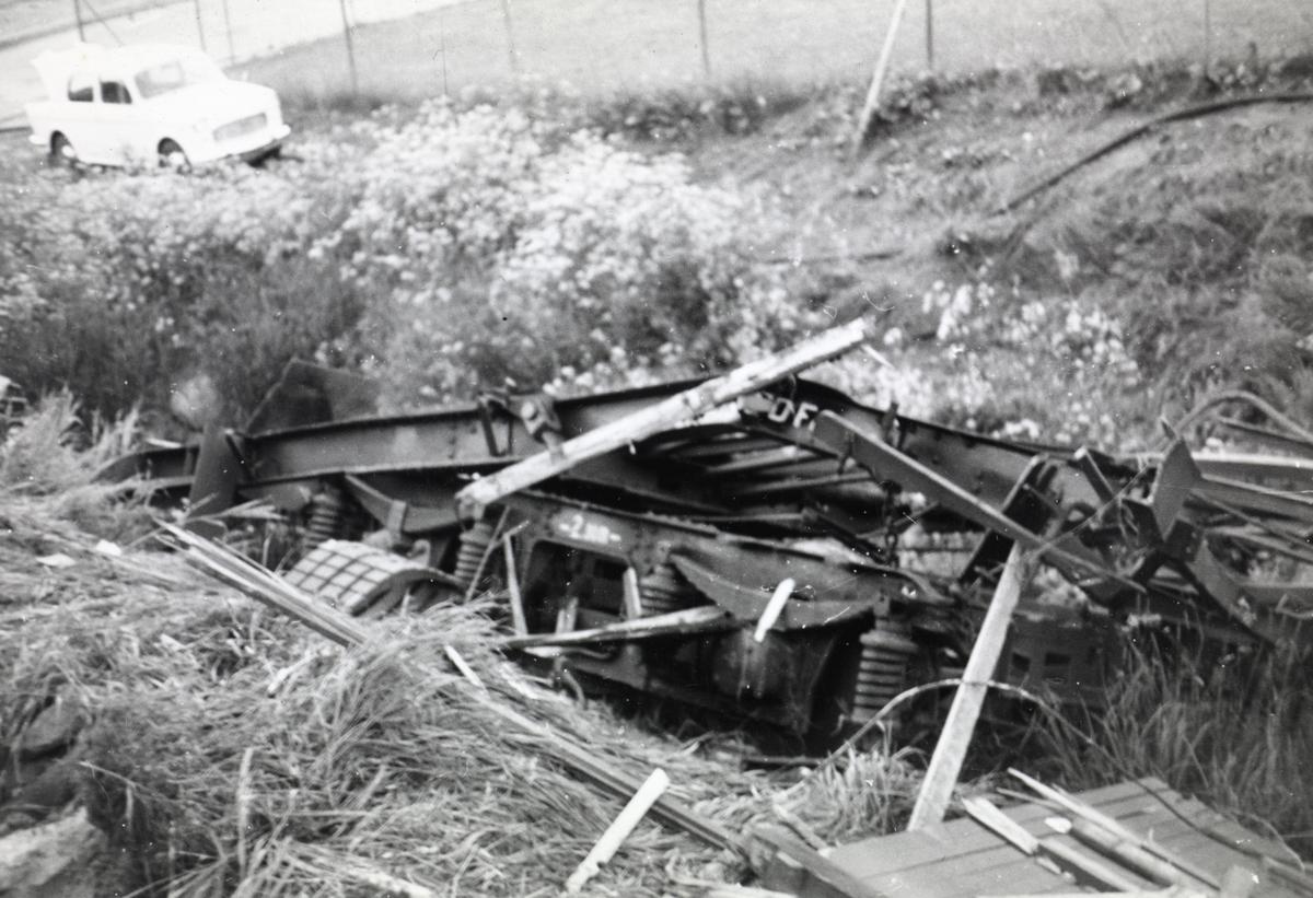 Ødelagt jernbanevogn etter togkollisjonen ved Nydalen holdeplass, der tog 609 til Bergensbanen og tog 204 fra Gjøvikbanen støtte sammen