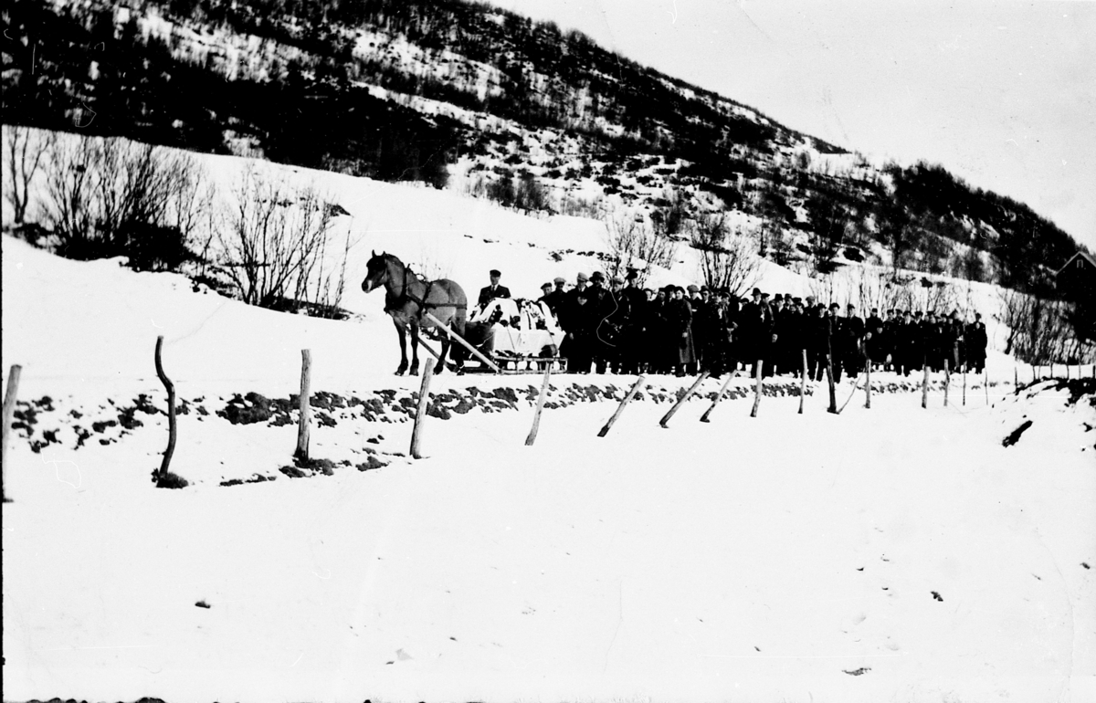 Magnar Jensens begravelse. Rubbestad, Tranøy 1936