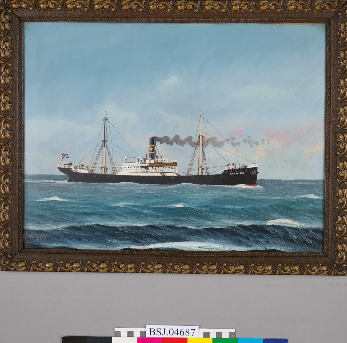 Skipsportrett av DS GALATEA under fart i åpen sjø med norsk slagg akter.