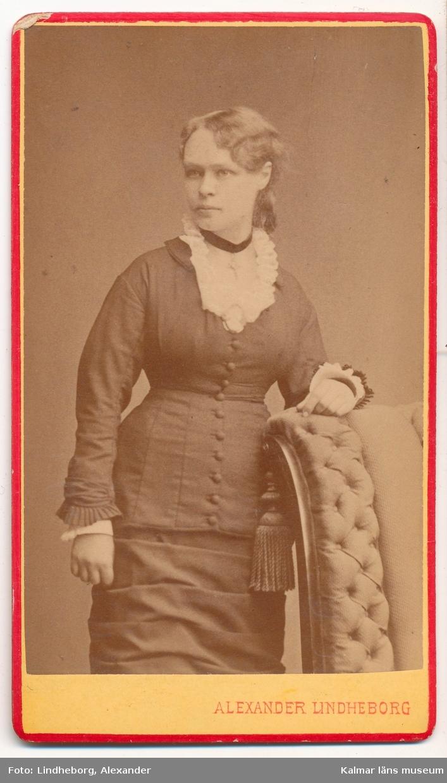 Fröken Olivia (Liva) Eriksson. Blev senare gift Ekelund och bosatt i Malmö.