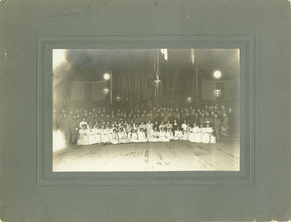 Volontärskolans bal på Karlsborg 1905.