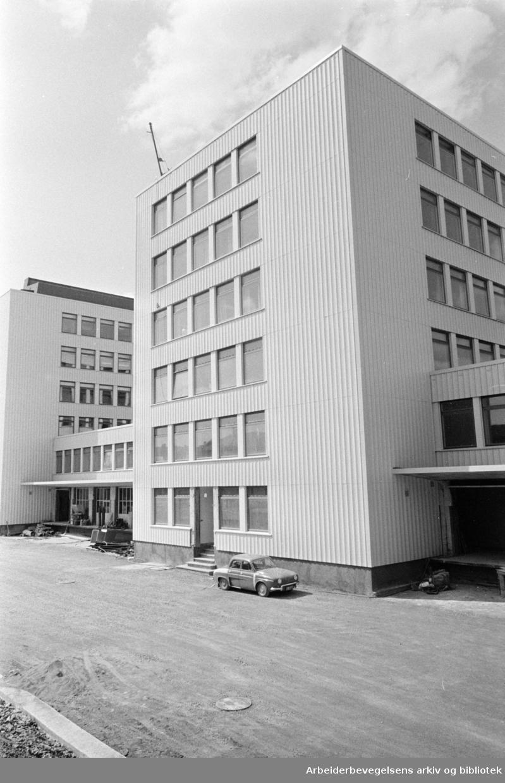 Sosialdistriktskontorer. Oslo Kommunes nye sosialdistriktskontorer i Thv. Meyersgate 9. Juni 1967