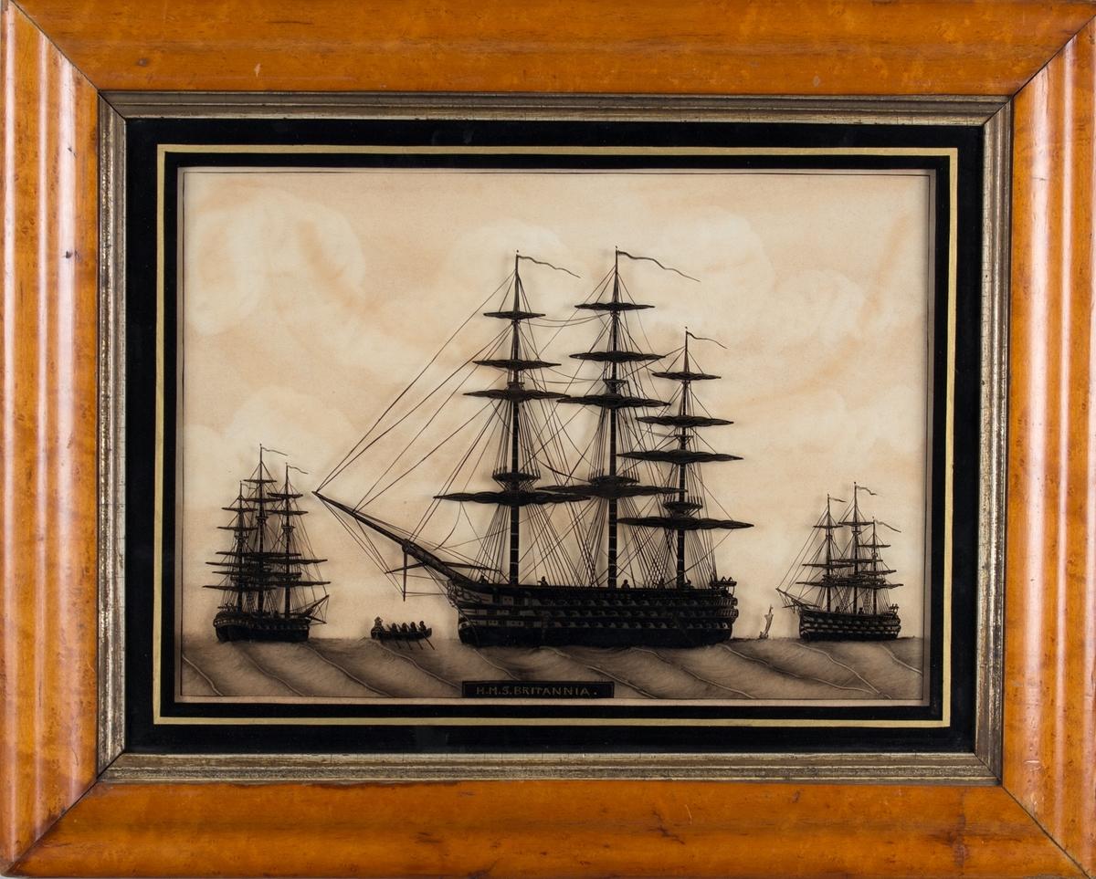 Skipsportrett av orlogsfartøyet H.M.S. BRITANNIA. Ser samme skip sett fra tre ulike vinkler samt en robåt.