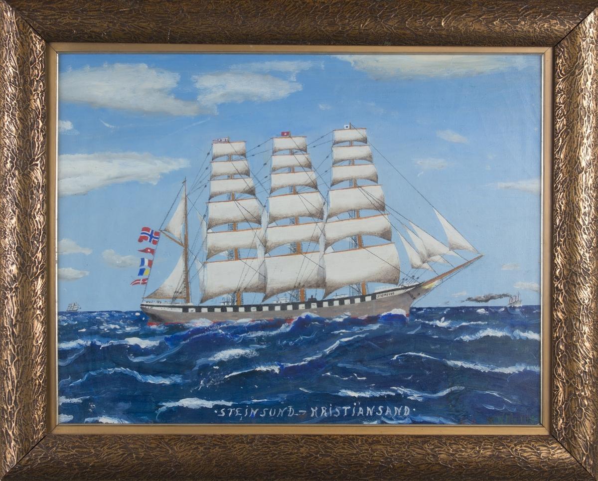 Skipsportrett av bark STEINSUND under fart med full seilføring. Fører norsk flagg akter samt signalflagg. Ser et annet dampskip i høyre side av motivet.