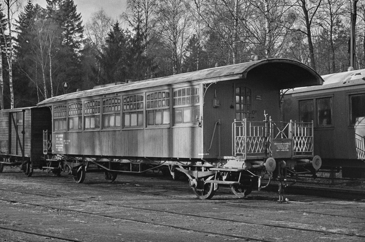 Gammel svensk personvogn i Ângelholm i Sverige.