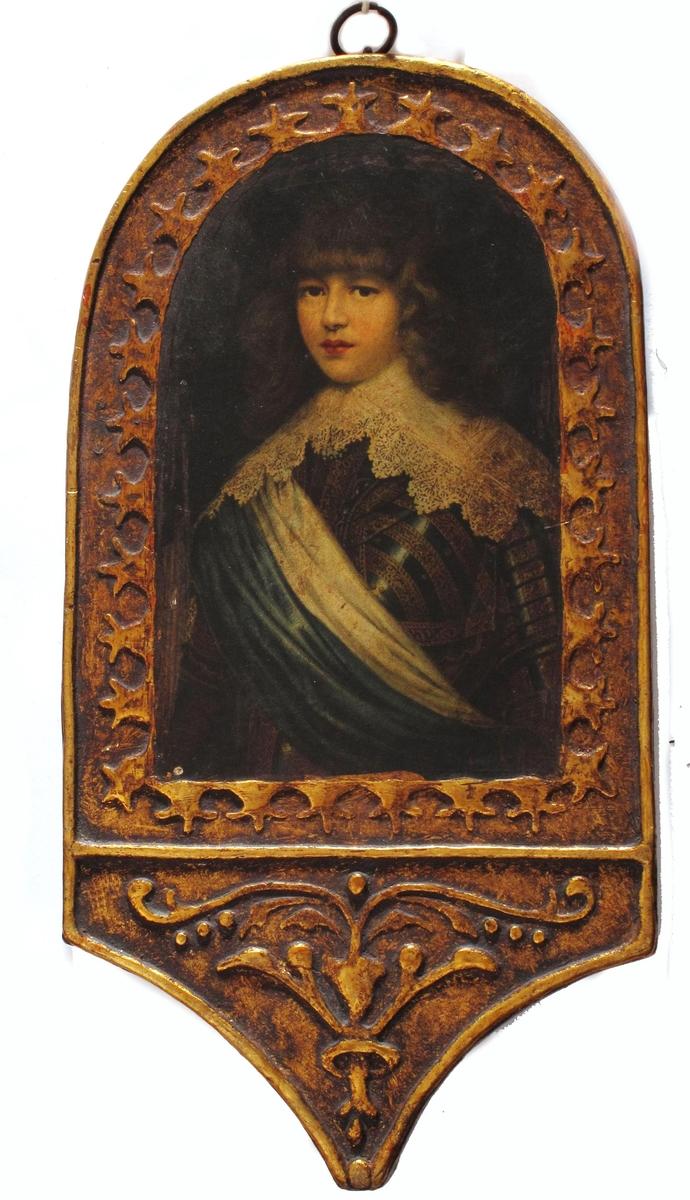 Kopi etter Justus Sustermans maleri som henger på Galleria Palatina (Palazzo Pitti), Florence, Italy. Her ser vi en ung prins ikledd rustning, blondekrage og blå og hvit bånd på skrå nedover brystet,