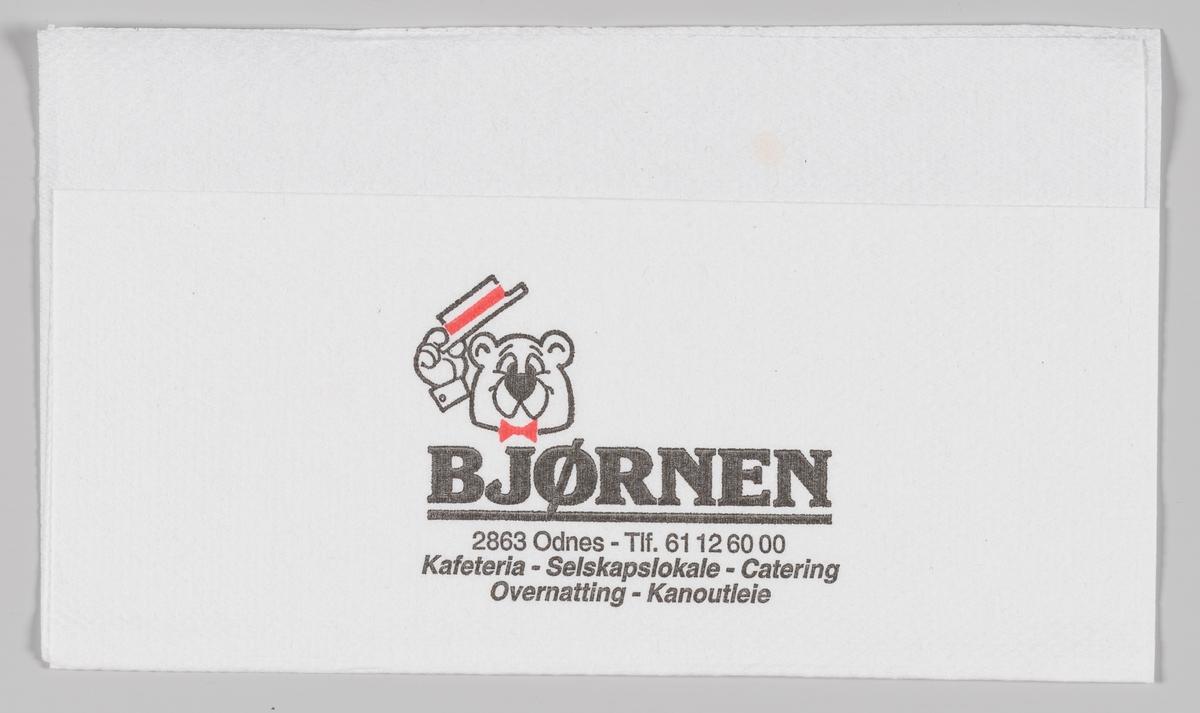 En bjørn som løfer på hatten til hilsen og reklametekst for Bjørnen Kafeteria i Odnes. Bjørnen er en Veikro med selskapslokaler, catering og overnatting i Odnes. Bjørnen ble etablert i 1987.