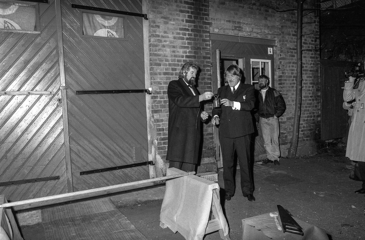 Båtmotormuseet åpnes i Drøbak. Drøbak Båtforenings Maritime samlinger er navnet. Øystein Øystå, ordfører Bjørn Loge, Kjell Aukrust og Jahn Otto Johansen. Fotograf: ØB Ukjent