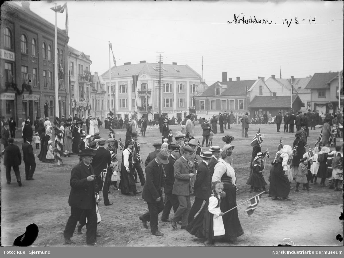 17 Mai Feiring I Notodden Sentrum 1914 Norsk Industriarbeidermuseum Digitaltmuseum
