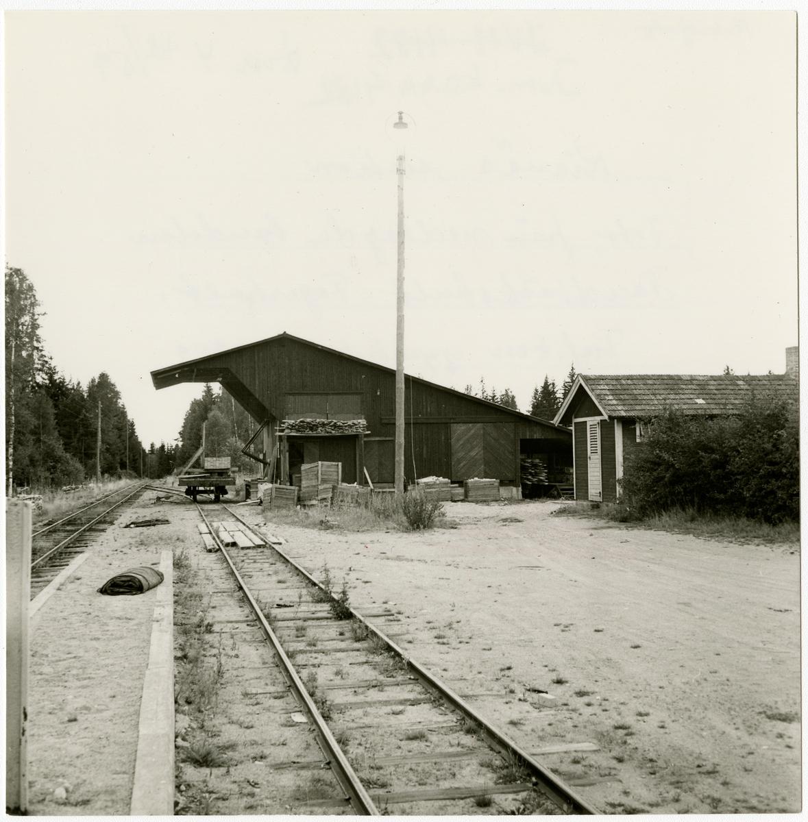 Mönsterås Järnväg, MÅJ  Kianäs station.Foto från nedlagda bandelen Landbäckshult-Fagerhult, trafiken upphörde 1.9.1959.