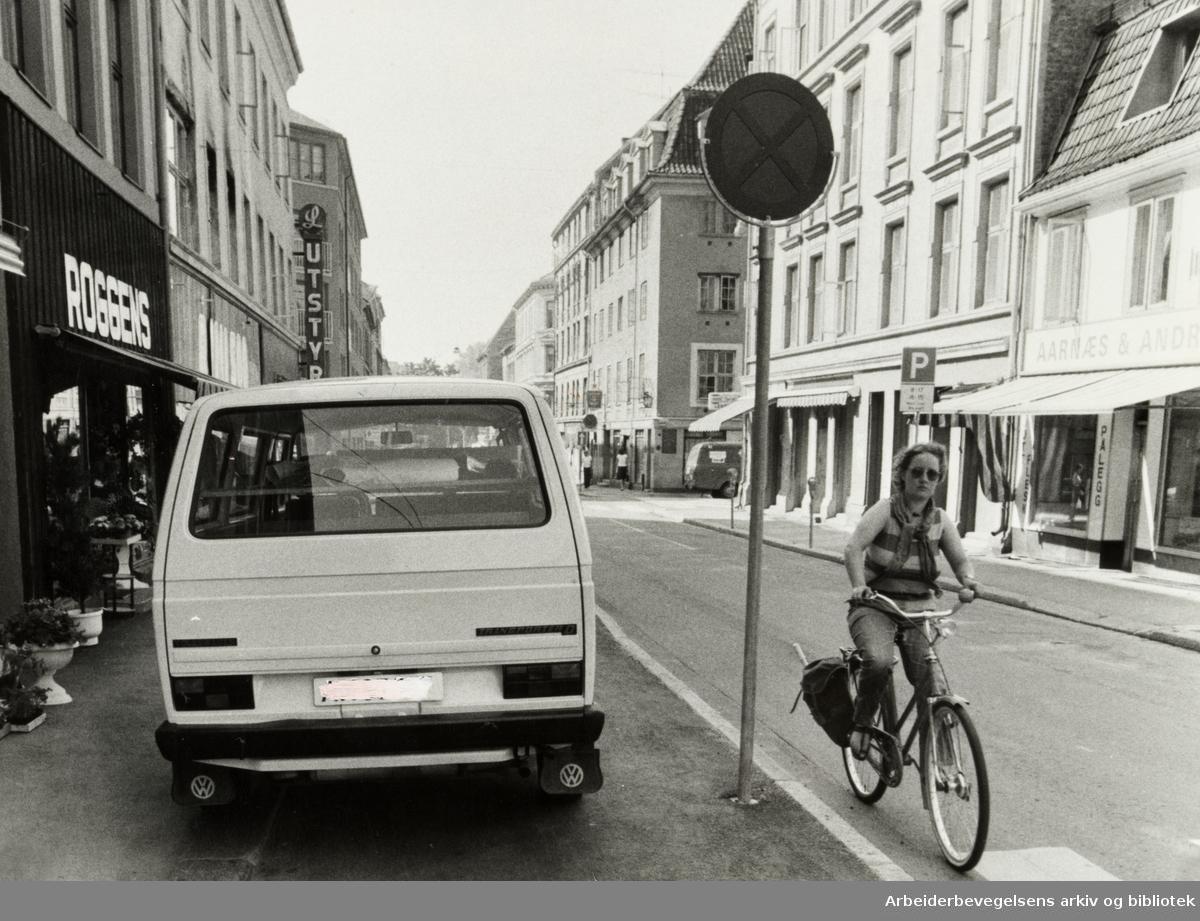 Grünerløkka. Markveien, - Sykkelvei. Juni 1982