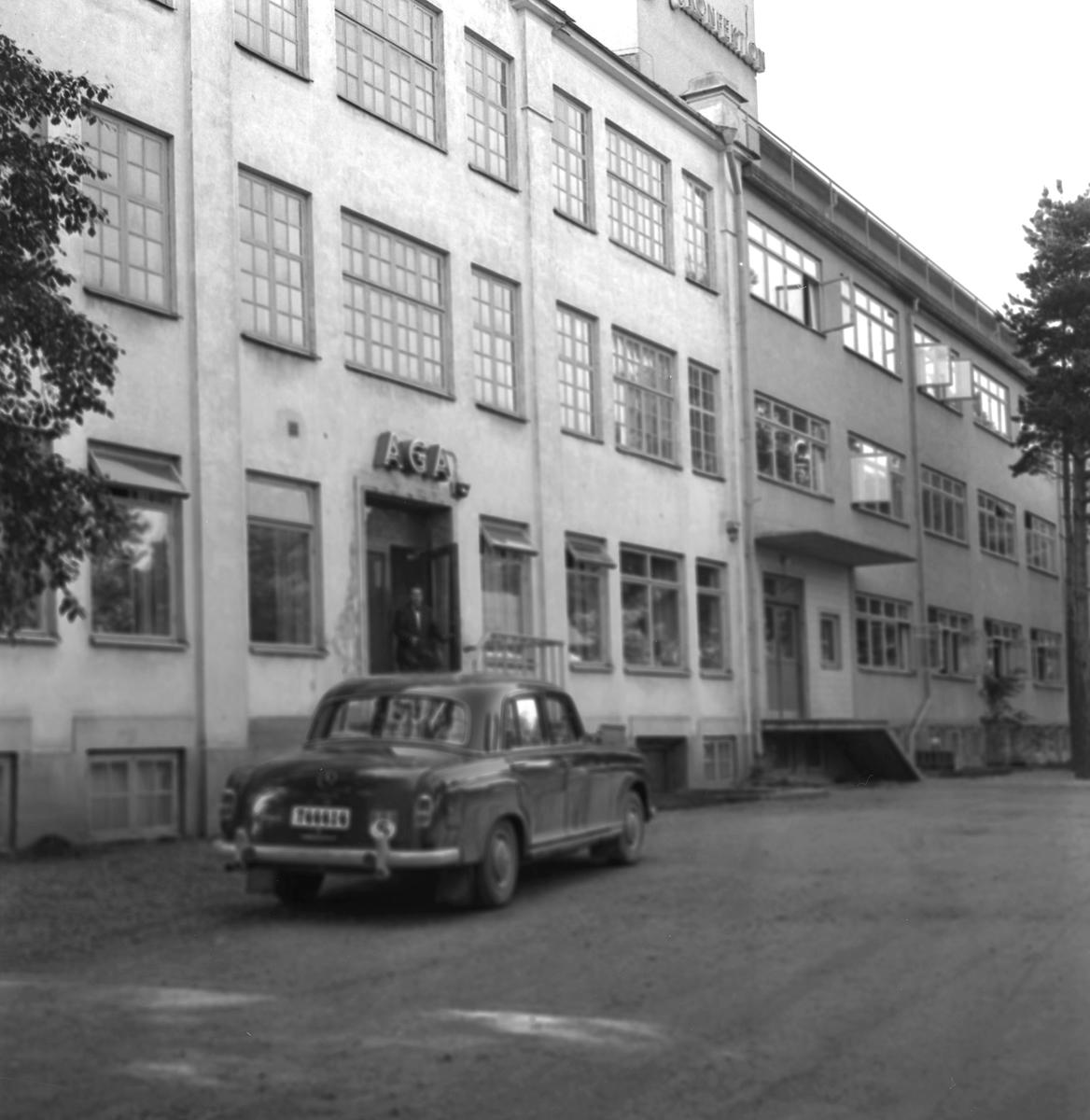 Diverse bilder, 1958. AGA Konfektion i Kumla.