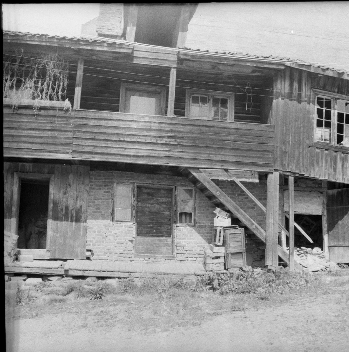 Kvile og lagerbygg, Gundersengården bakgård, like før riving 1956
