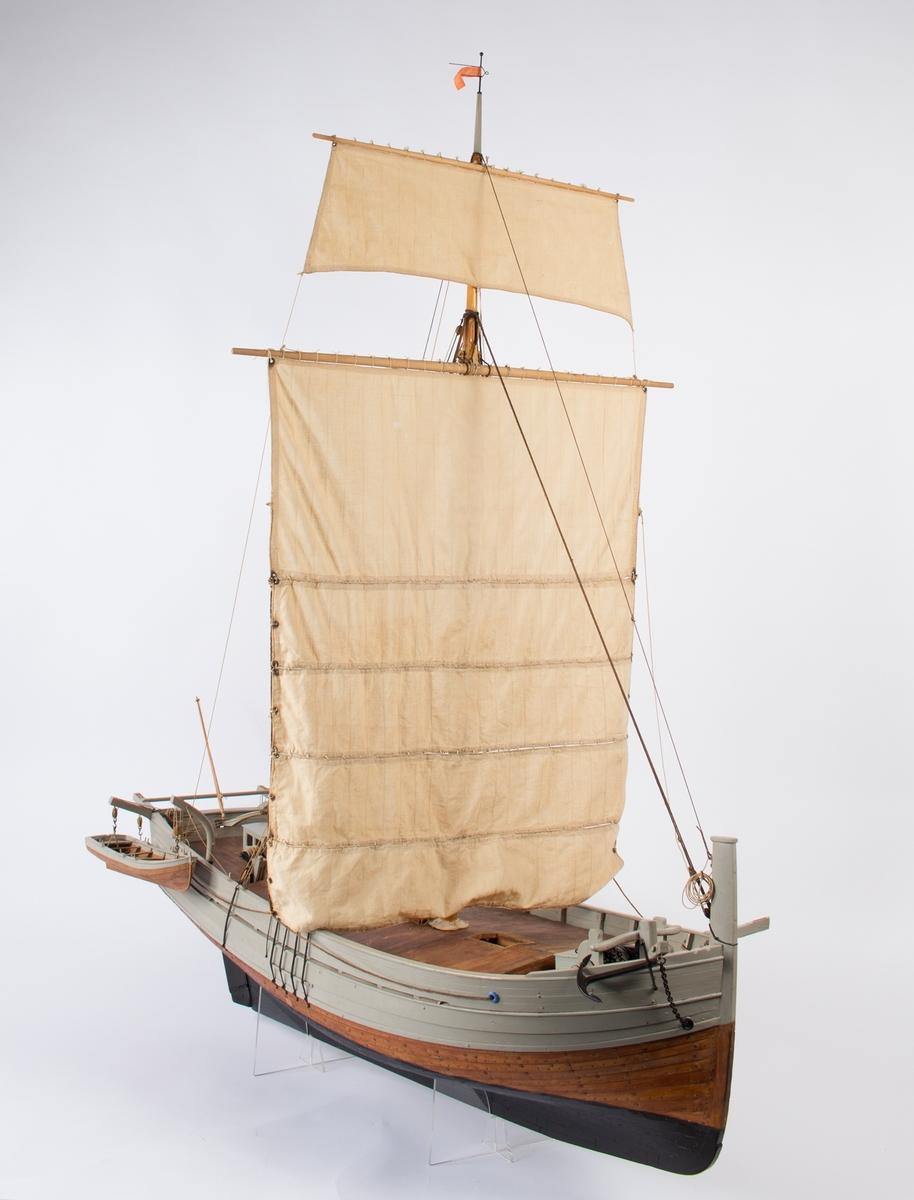 Modell av nordlandsjekt LORENTSE AB BERGEN