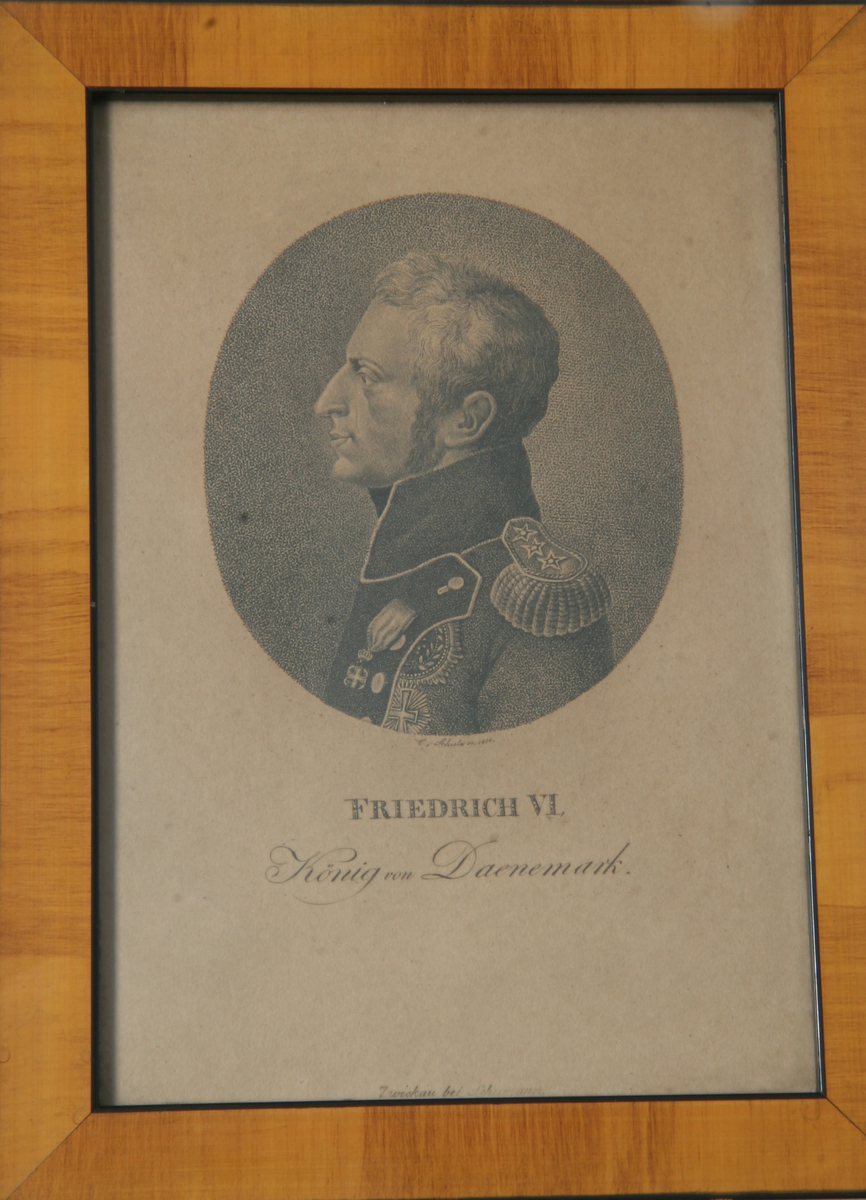 Glass, brun og sort ramme, portrett av Fredrik VI.