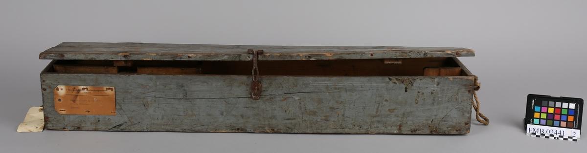 Kasse for oppbevaring av gevær, pusseutstyr og ammunisjon.