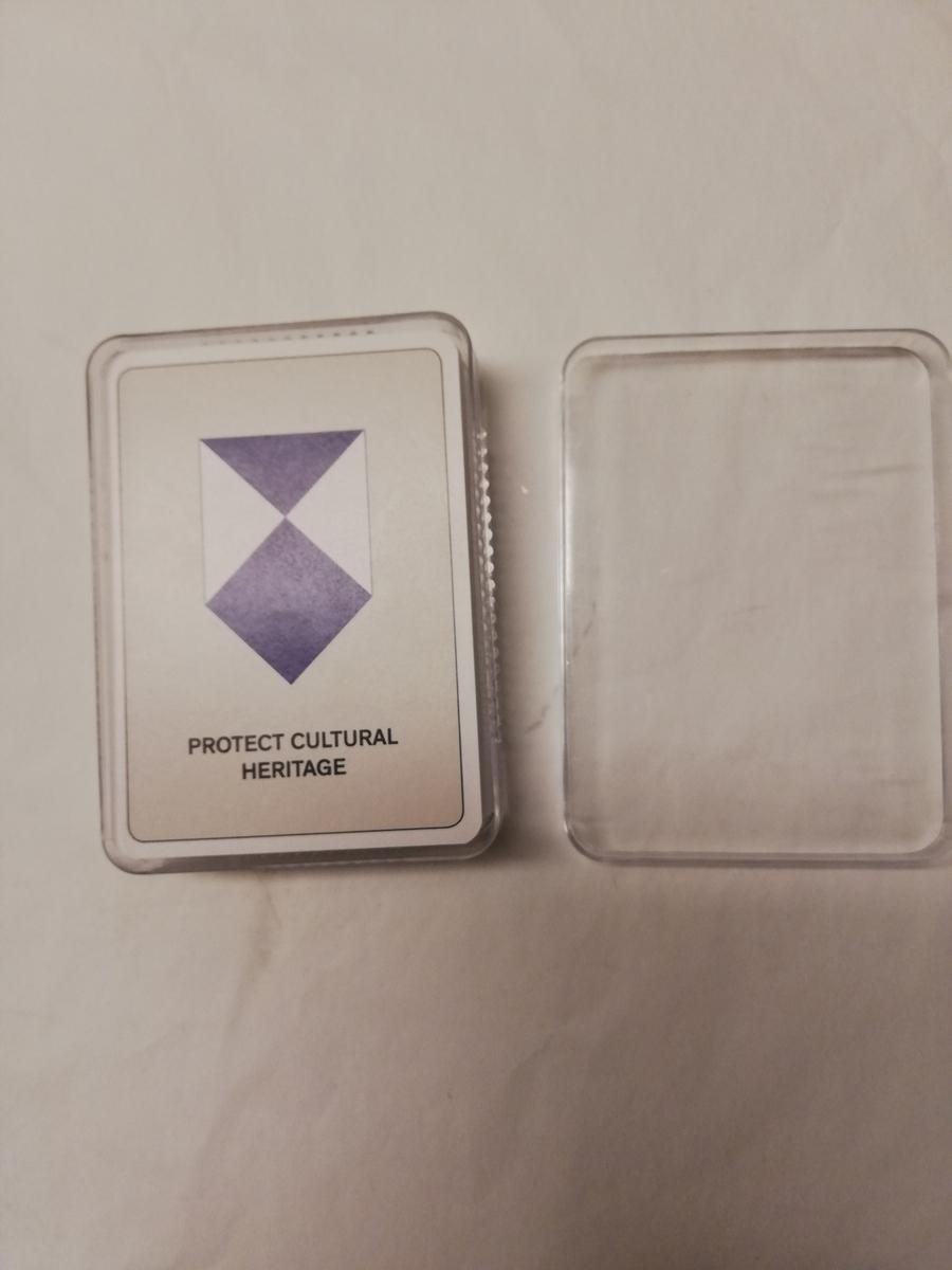 Spillekort i plastboks
