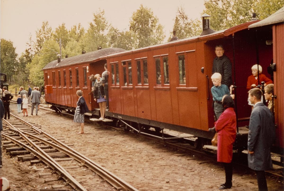 Museumstog på Bingsfoss stasjon på museumsbanen Urskog-Hølandsbanen