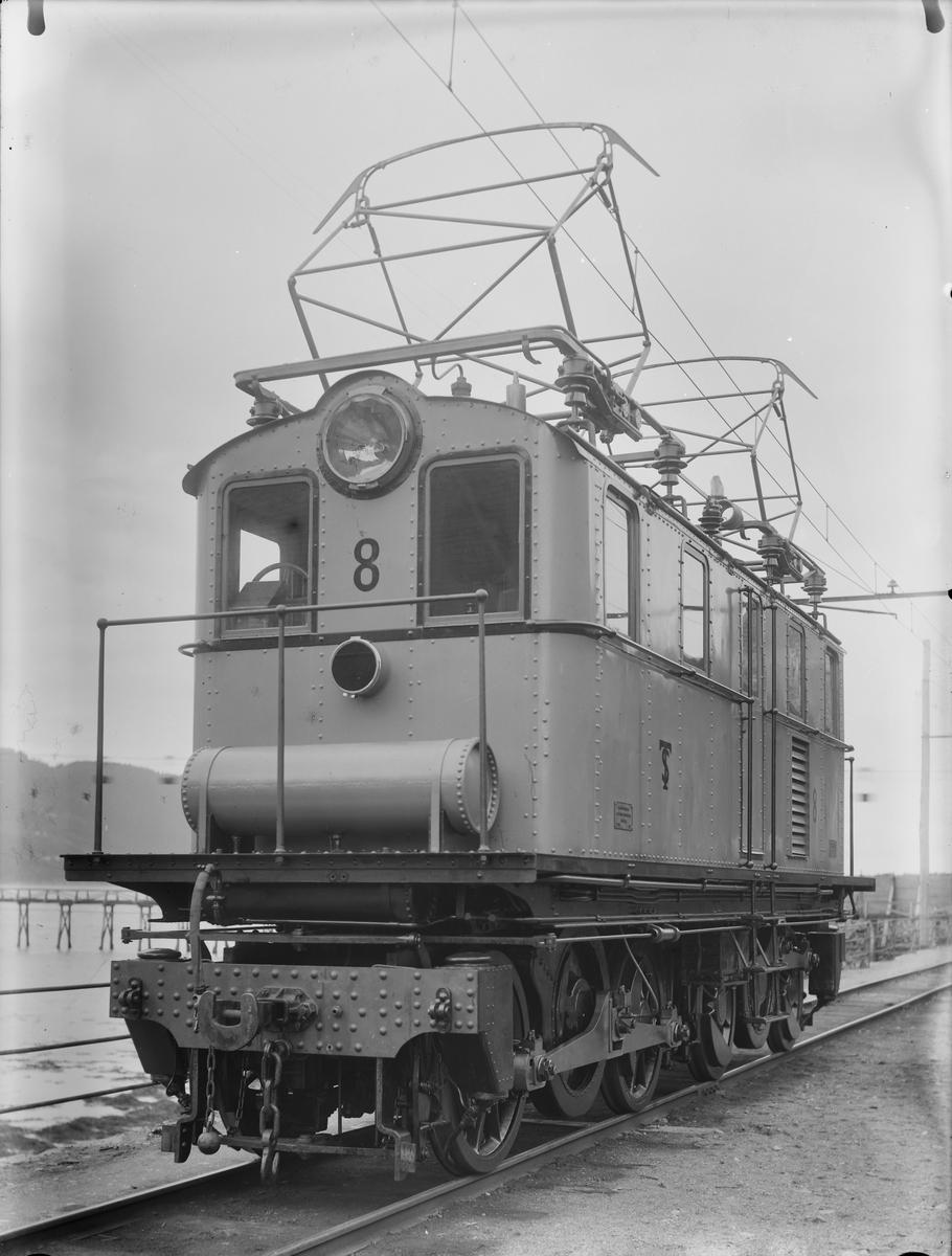 ASEA-lokomotiv nr. 8.