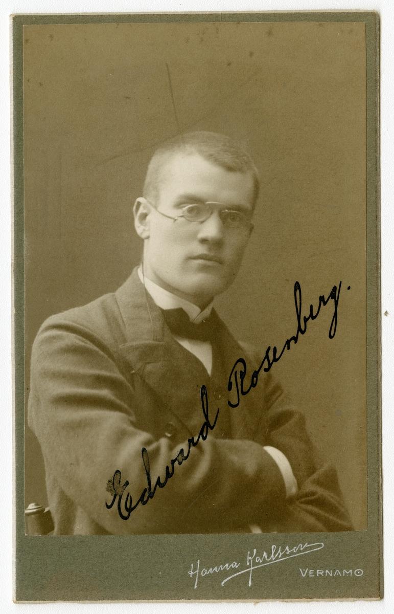 Porträtt av Edvard Rosenberg.