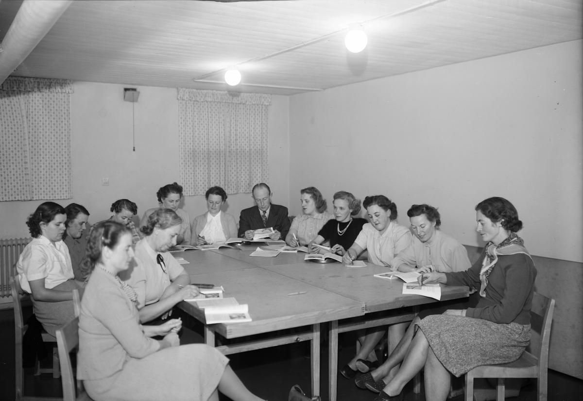 Konsumentföreningen har möte, Uppsala 1951