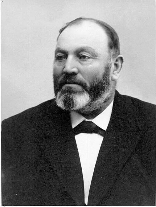 Bröstbild av patron G A Andersson på Ravelsmark.