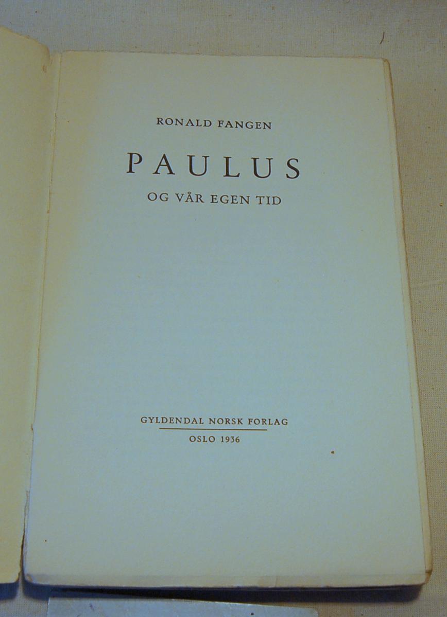 På bokens forside et portrett som sannsynligvis skal skildre Paulus
