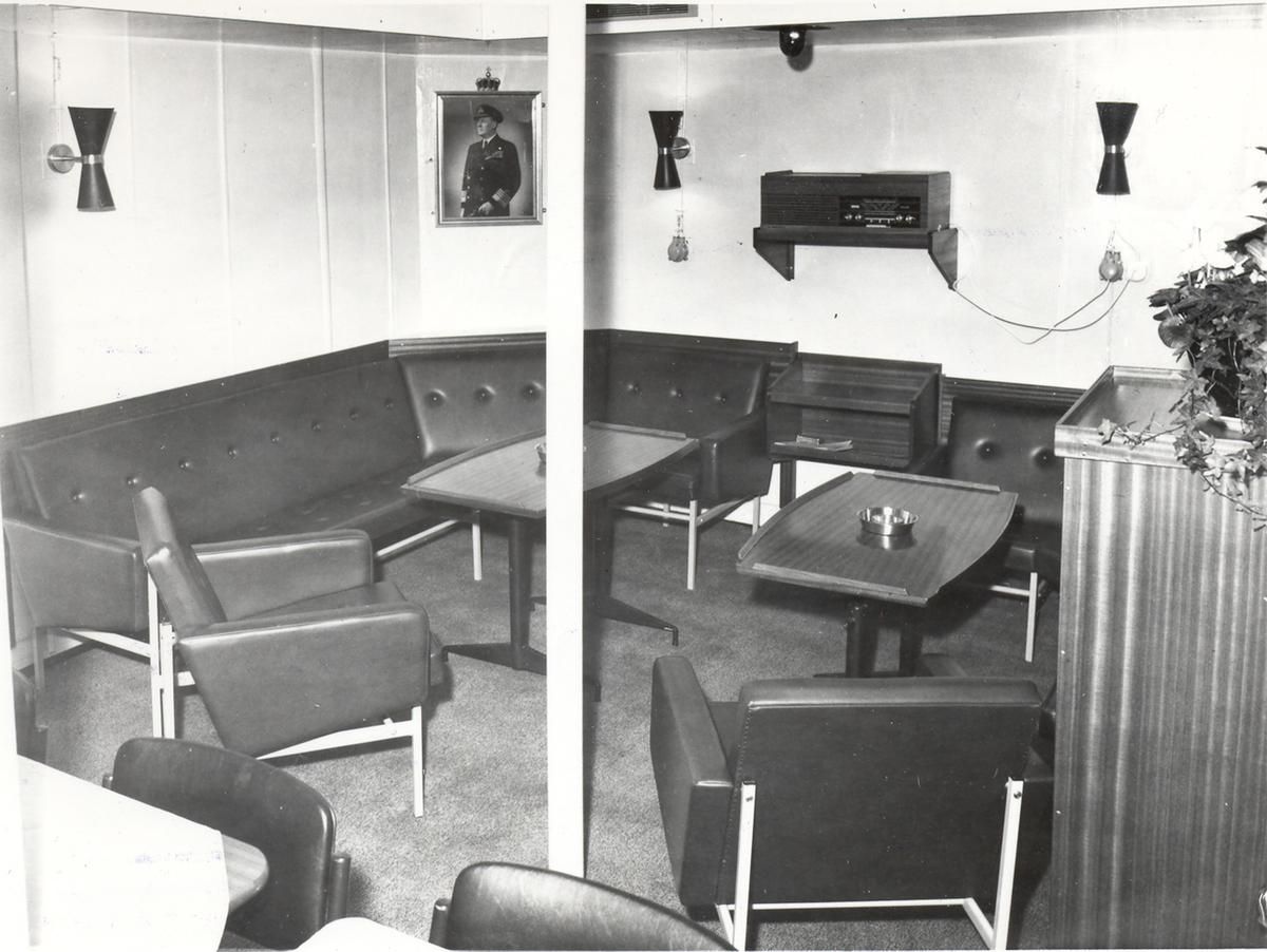 Enkeltbilde. Fregatten KNM Oslo, interiør fra kvartermestermessen 1966.J