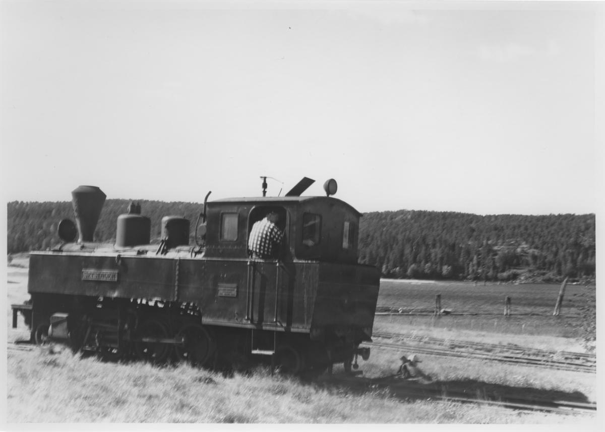 Lok 4 Setskogen skifter på Skulerud brygge.