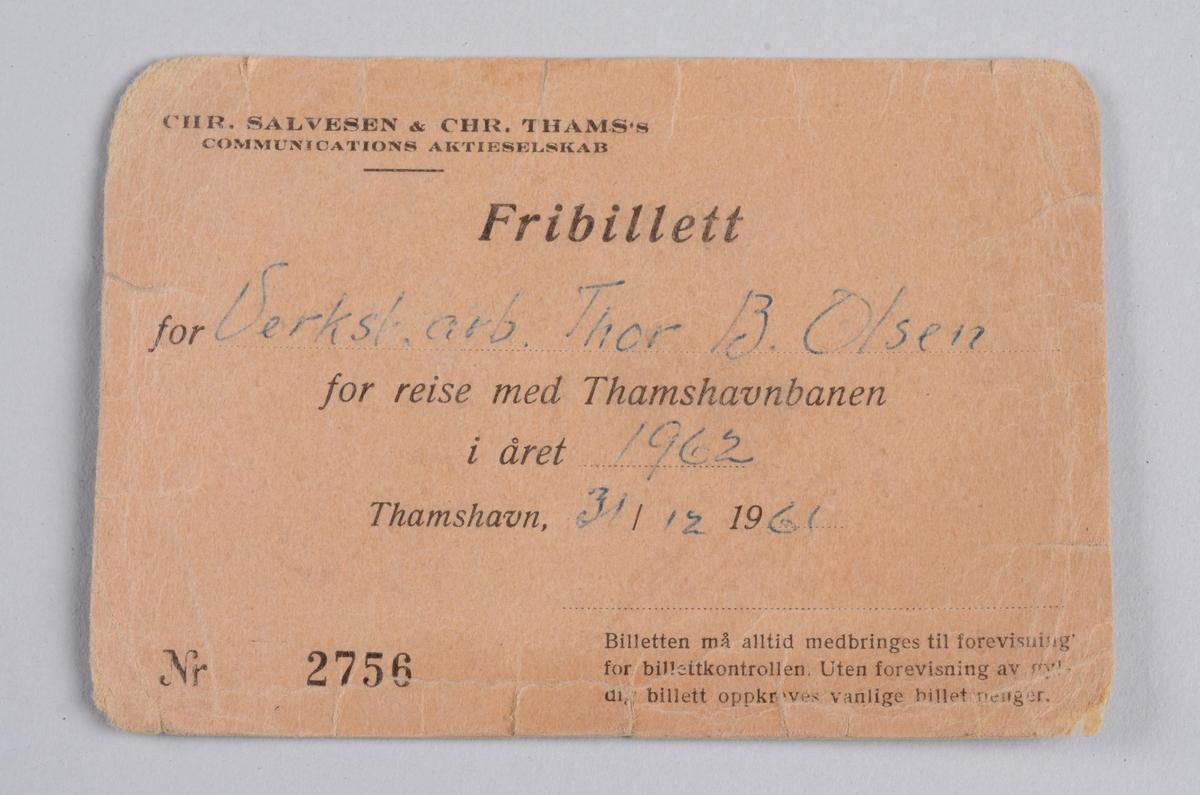Rektangulær billett i papp med trykt- og påskrevet informasjon.