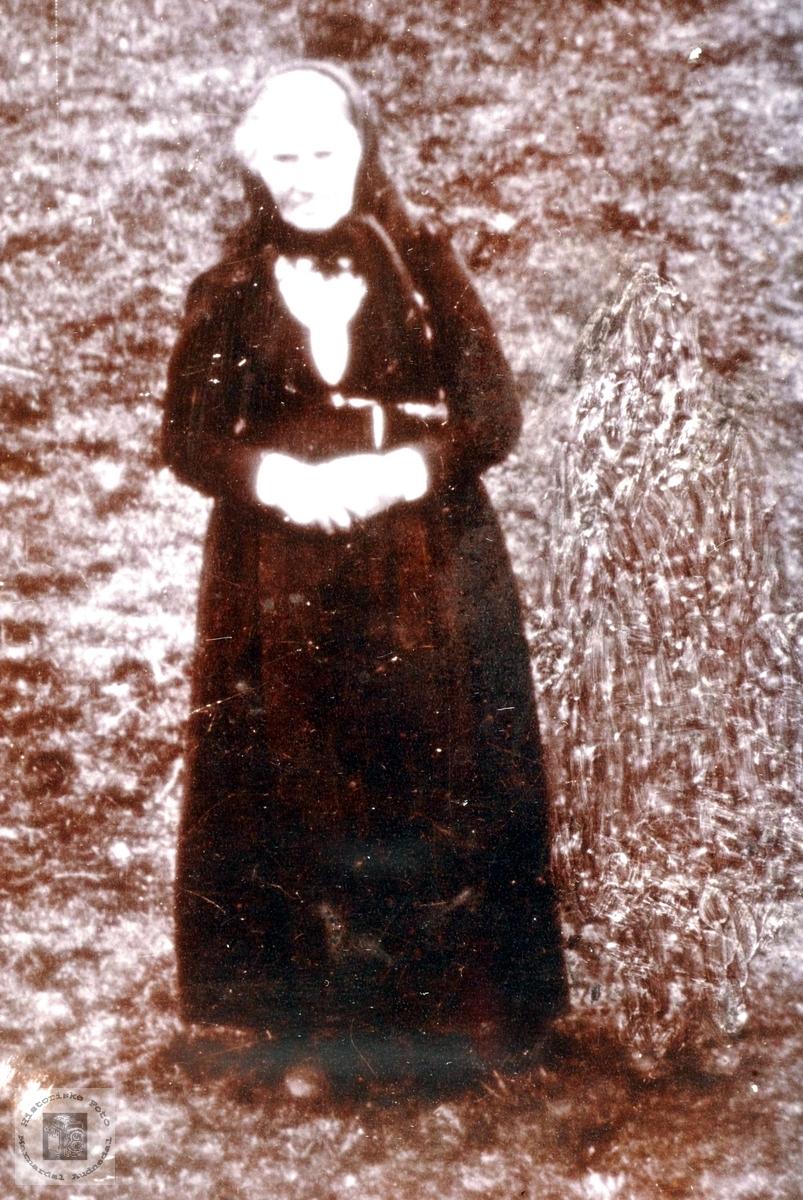 Portrett av Gjertrud Smedsland fra Grindheim.