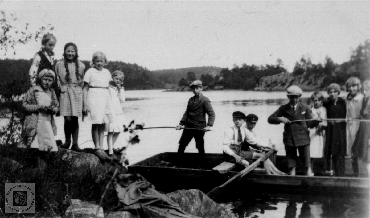 Fisketur i Åsevann, Øyslebø.