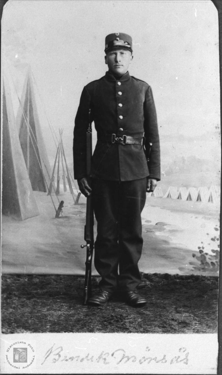 Soldatportrett av Torje Bue, Øyslebø.