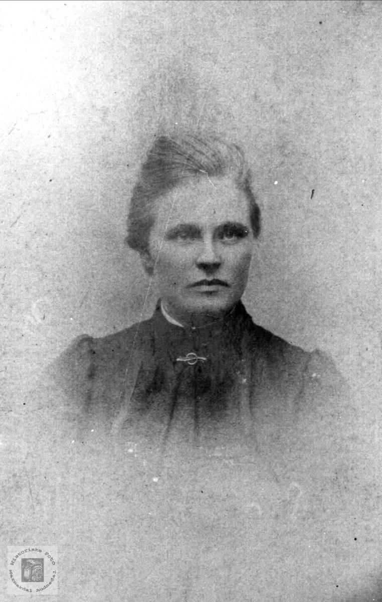 Portrett av Johanne Bjørnestøl