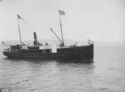 """Den første D/S """"Orkla"""" på Trondheimsfjorden."""