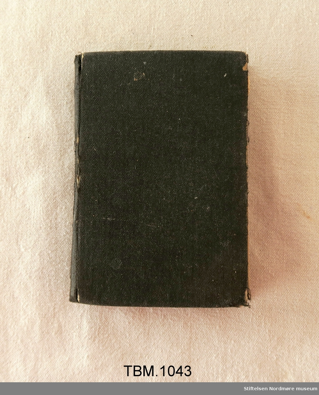 Lita songbok med svart lerretsinnbinding. Gotisk skrift 288 sider