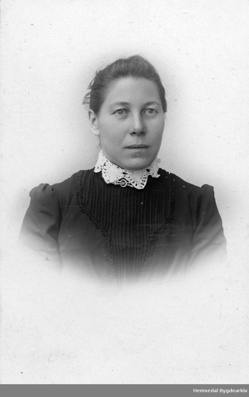 Sigrid S. Nordre Venåsbakko (1870-1966), gift Venås