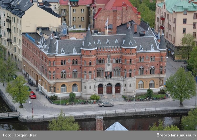 Bilder tagna under renoveringen av tornet på Nikolaikyrkan 2005.Utsikt från Nikolaikyrkans torn mot norr. Nerikes Allehanda, m.m.