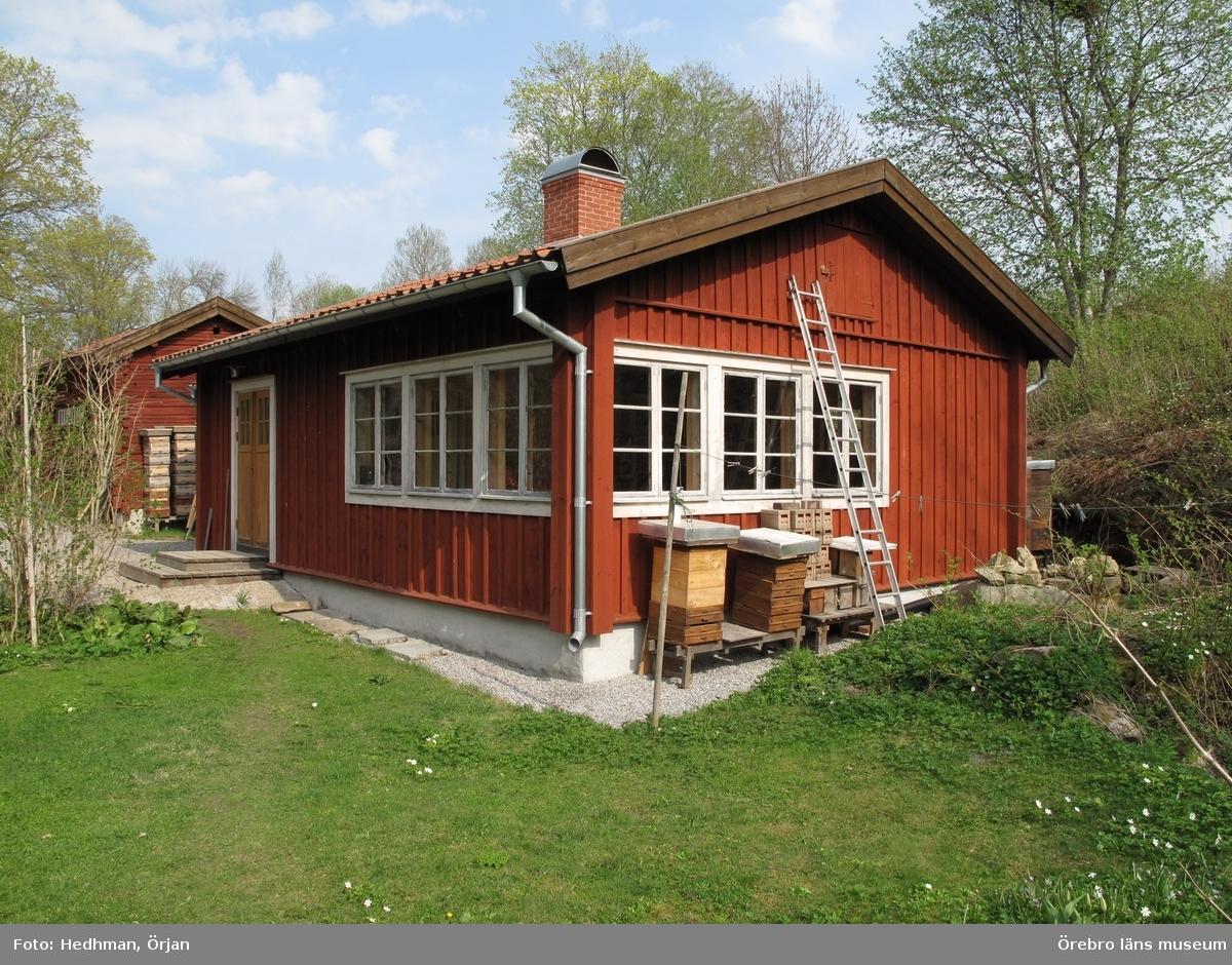 Förrådsbyggnad. Inventering av Karlslunds byggnader.Bilder till rapporten. Dnr: 2011.250.050