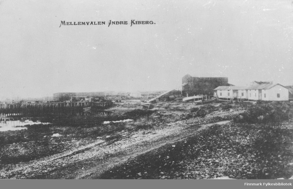 Hvalstasjonen i Sletta mellom Kiberg og Indre Kiberg. Ble bygget av Svend Foyn ca. 1883/84. Den var i drift i to-tre år. Anlegget ble kjøpt av Bastian Moe (far til Albert Moe som drev forretning i Indre Kiberg. Anlegget ble revet under krigen
