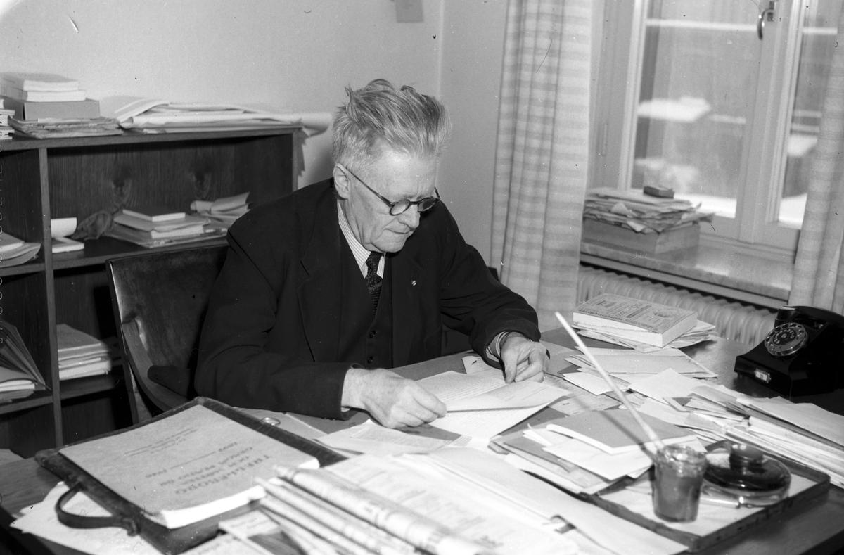 Redaktör Nordling på Arbetarbladet. Januari 1948. Reportage för Dagens Nyheter.