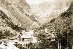 Storbrua Brakke Rallarveien i Hunddalen.