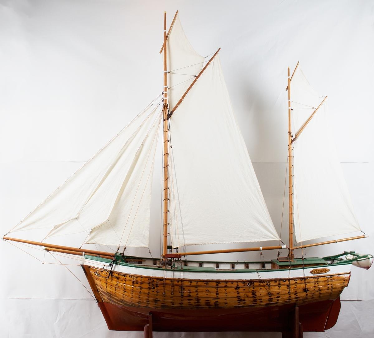Galeas KARIANA, stor grovt utført modell.