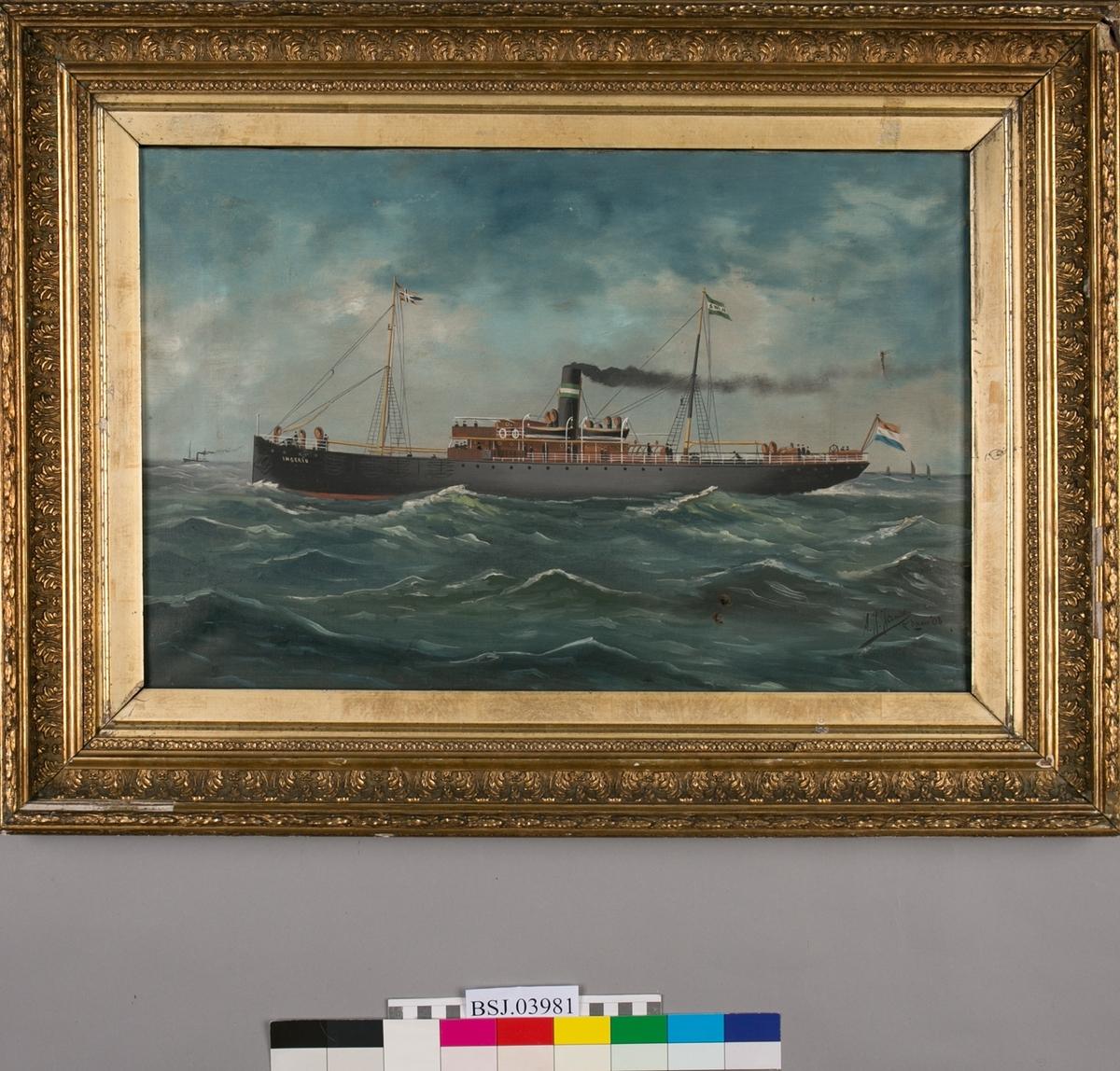 DS INGERID i rom sjø, skyer og bølger. Et dampskip og tre små seilbåter i bakgunnen. Skipet har to master. Norsk splittflagg i fremste mast, rederiflagg i aktermast. Nederlandsk flagg i akter.