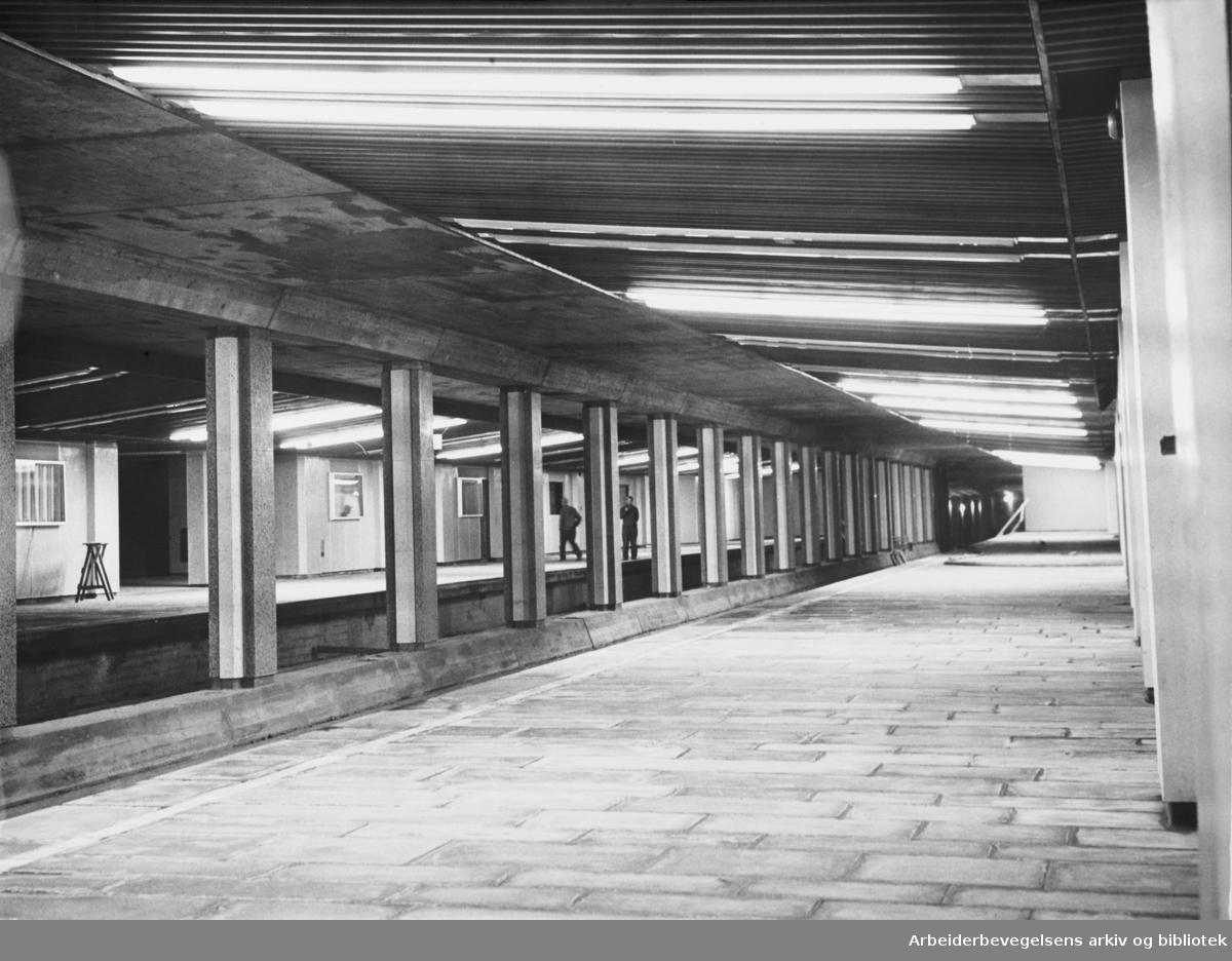 T-banestasjonen på Grønland, november 1964.