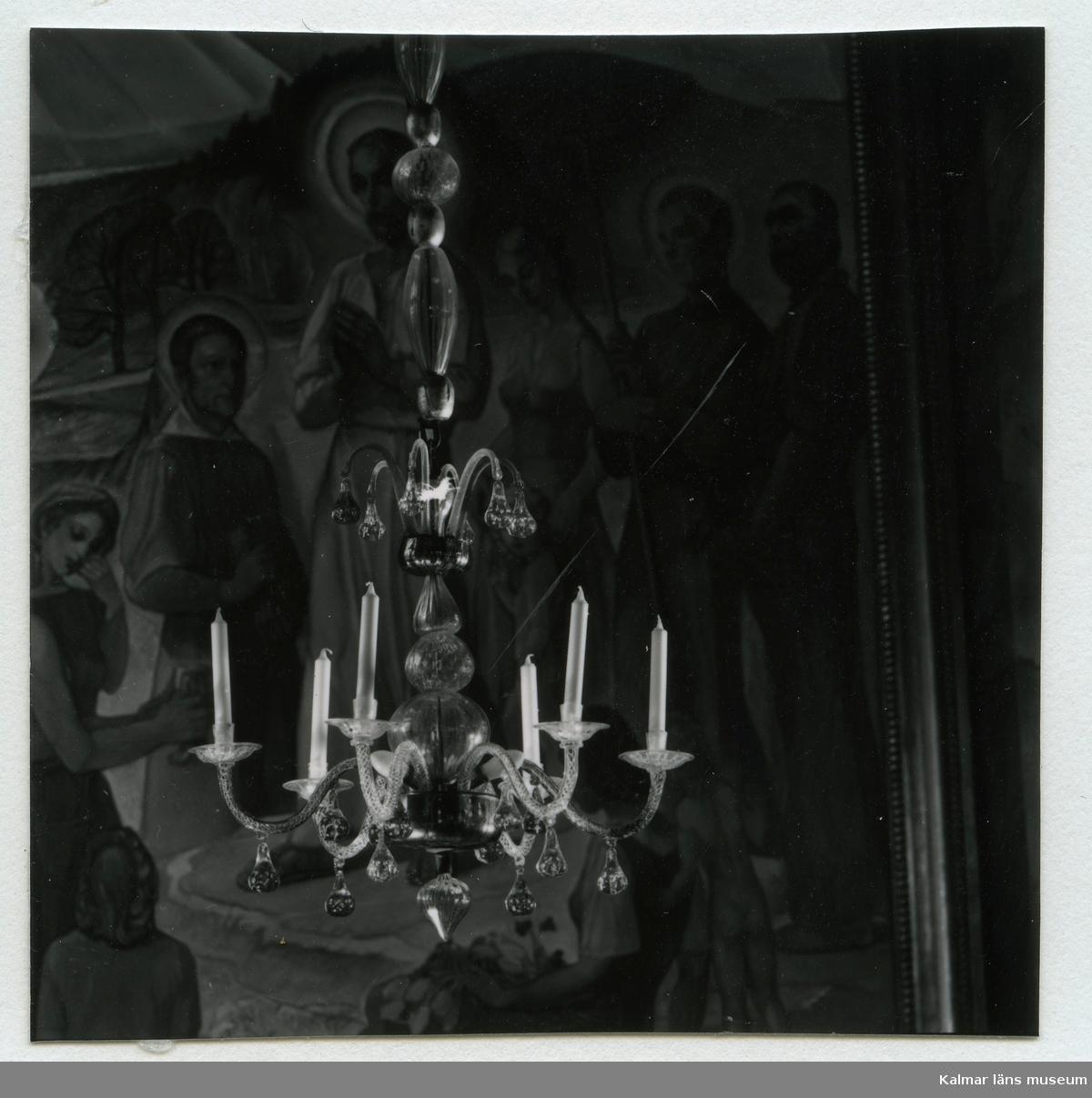 Ljuskrona i Hälleberga kyrka.