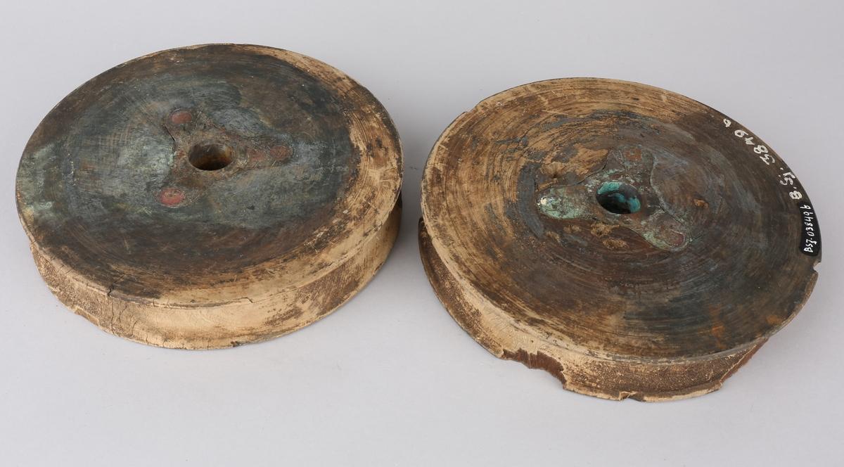 Blokkskive tilhørende palsstøttene fra korvetten NORDSTJERNEN, med bronseforing.