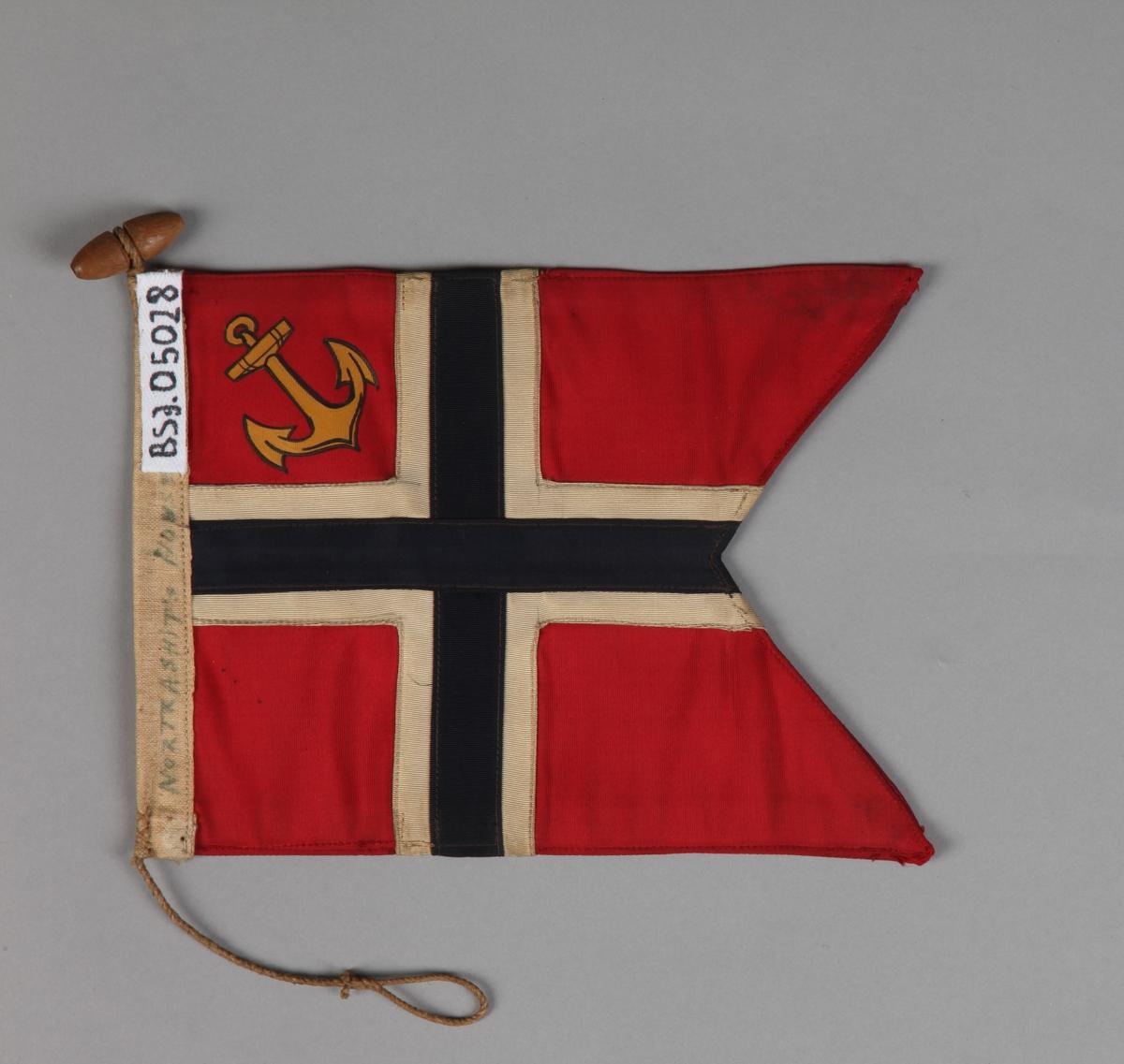 Norsk orlogsflagg uten tunge med gult anker i øverste felt nærmest stangen.